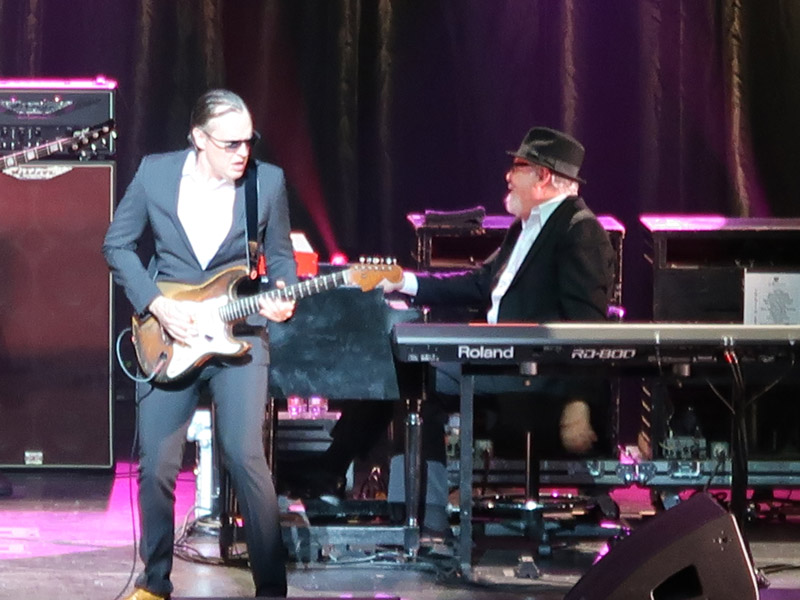 joe bonamassa in concert dolby theater hollywood ca december 17 2016 rock and blues muse. Black Bedroom Furniture Sets. Home Design Ideas
