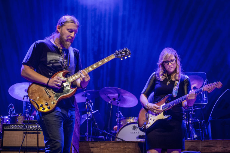 Tedeschi Trucks Band Live From The Fox Oakland Rock And