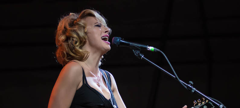 Interview samantha fish singer guitarist songwriter for Samantha fish chills and fever