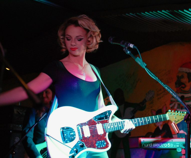 Concert review samantha fish moondog 39 s pub pa rock for Samantha fish chills and fever