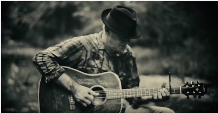 Tommy Emmanuel, Deep River Blues, New video, Accomplice One, Rock and Blues Muse