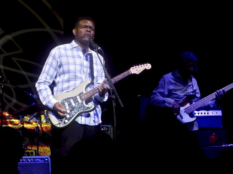 Concert review, Robert Cray Band, The Canyon Club, Martine Ehrenclou, Rock and Blues Muse