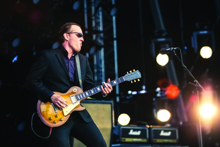 "Joe Bonamassa, ""Plynth (Water Down The Drain)"", British Blues Explosion Live, Rock and Blues Muse"