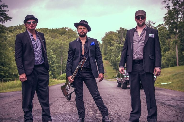 Dustin Douglas & The Electric Gentlemen, Break It Down, Album review, Martine Ehrenclou, Rock and Blues Muse
