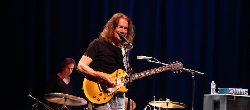 Gig Review: Guitar virtuoso, Robben Ford, Los Angeles - Rock and Blues Muse with Martine Ehrenclou