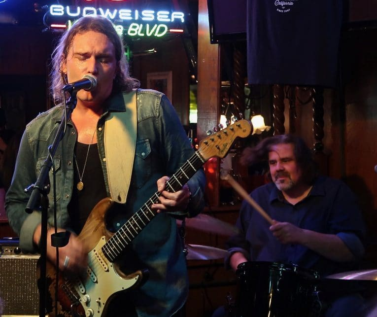 gig review, Philip Sayce, Maui Sugar Mill, Martine Ehrenclou, Rock and Blues Muse