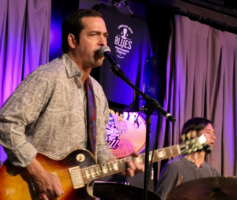 Gig review, Albert Castiglia, blues rock guitar slinger, Malainey's Grill, Long beach, CA, Martine Ehrenclou, Rock and Blues Muse