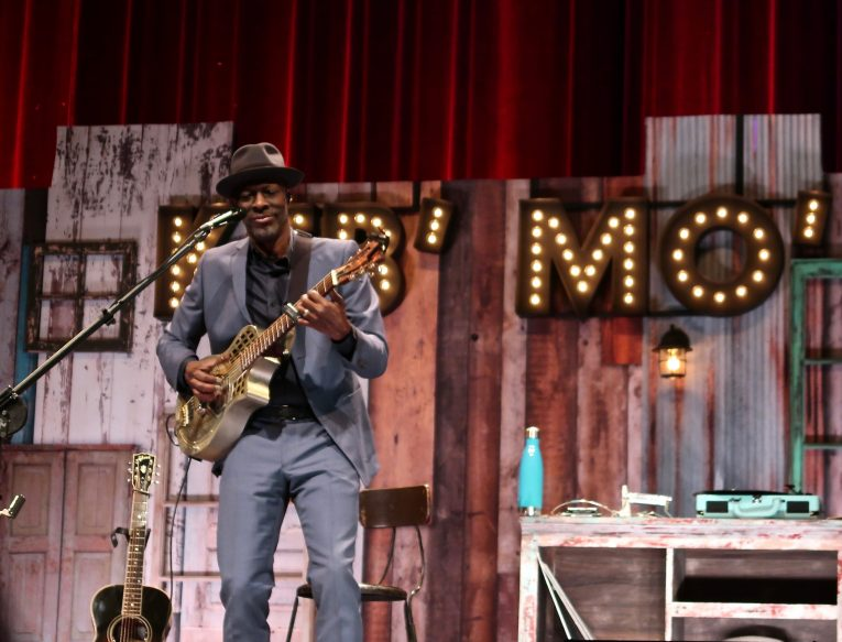 Keb' Mo', blues music, acoustic blues, concert review, Martine Ehrenclou, Rock and Blues Muse