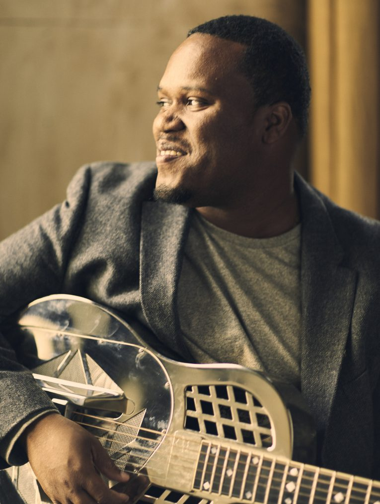 Jontavious Willis, interview, Martine Ehrenclou, Rock and Blues Muse, acoustic blues