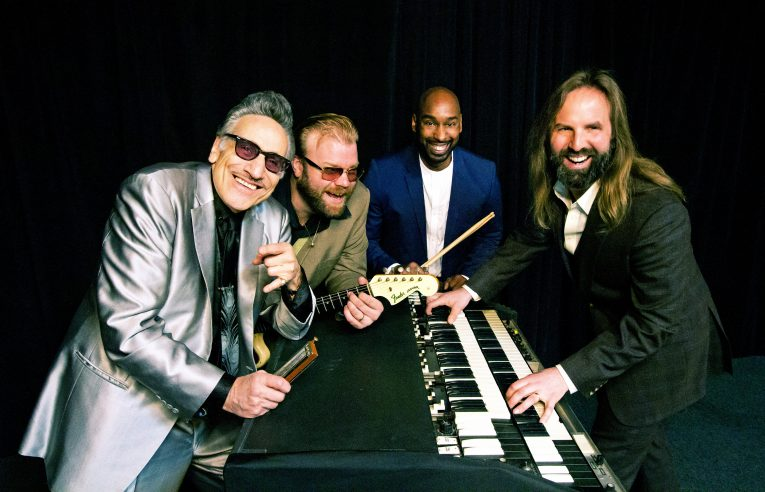 Interview, the nightcats, Rick Estrin & The Nightcats
