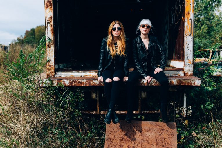"""Larkin Poe, new video, """"Mississippi"""", Rock and Blues Muse"""