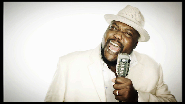 Sugaray Rayford, soul blues singer, Grammy nominee, interview by Martine Ehrenclou,
