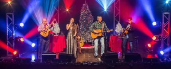 Tommy Emmanuel To Release 'Live! Christmas Time' Dec. 4