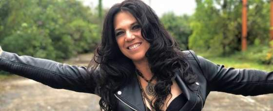 """Sari Schorr Releases New Video for """"Turn The Radio On"""""""