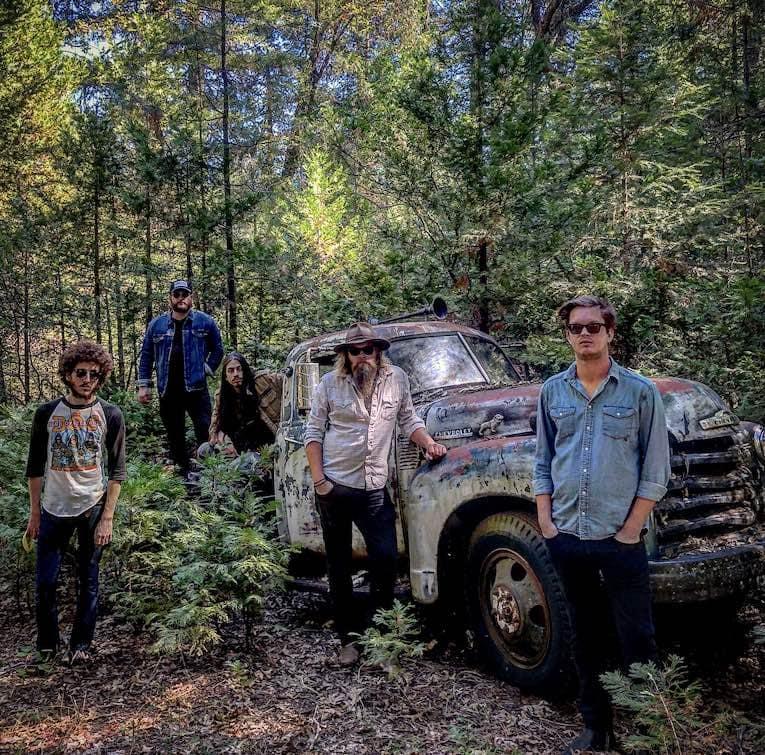 Robert Jon & the Wreck photo