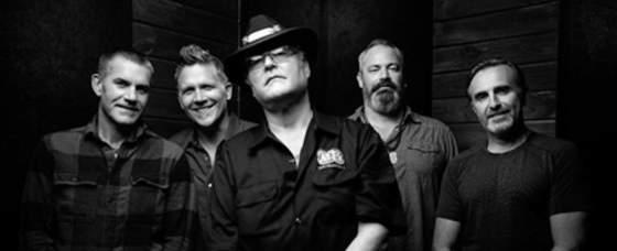 Blues Traveler Announce New Album 'Traveler's Blues' feat Christone 'Kingfish' Ingram, Rita Wilson, Warren Haynes, John Scofield, Keb' Mo'